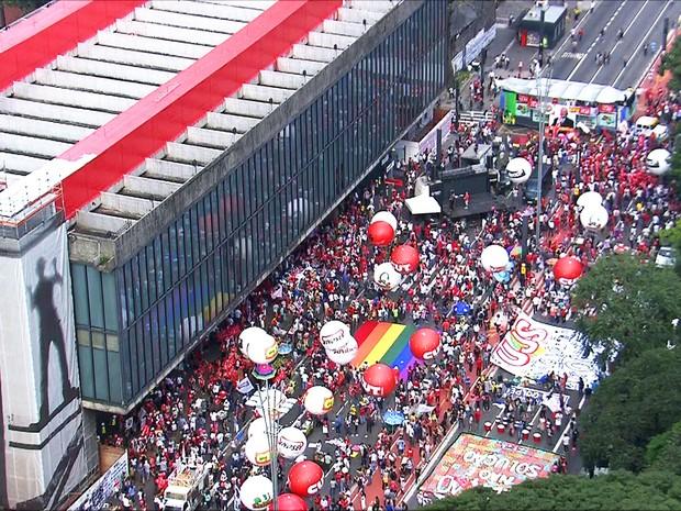 Protesto, manifestação, pró-Dilma, Lula, PT, Avenida Paulista, Masp (Foto: TV Globo)