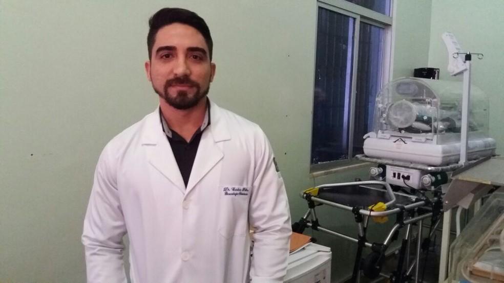 Médico Carlos Filho diz que paciente não estava desassistida (Foto: Jorge Abreu/G1)