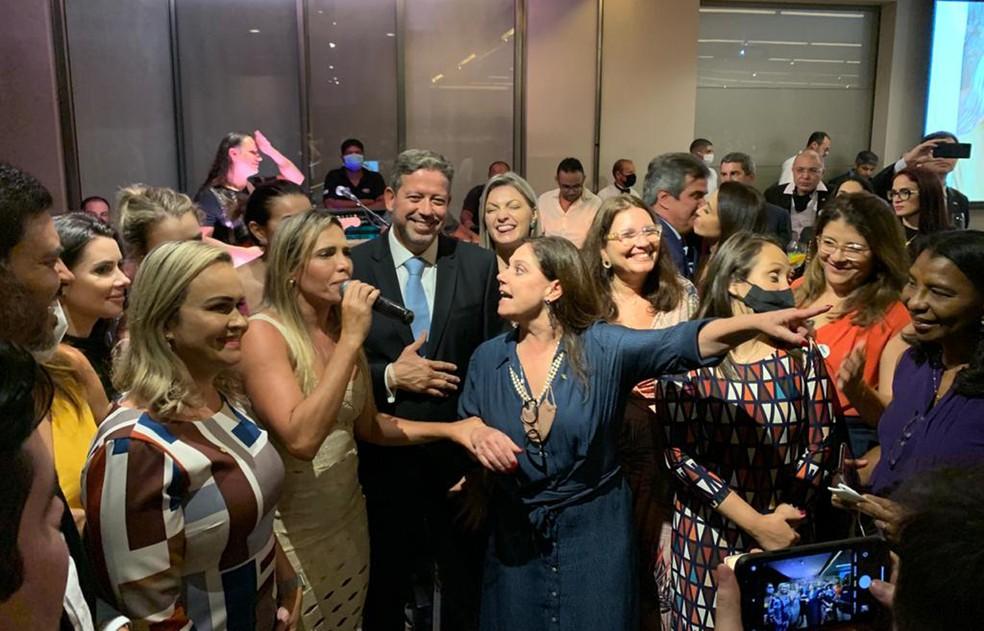 Lira durante celebração da vitória na Câmara com festa em Brasília — Foto:  Dida Sampaio/Estadão Conteúdo