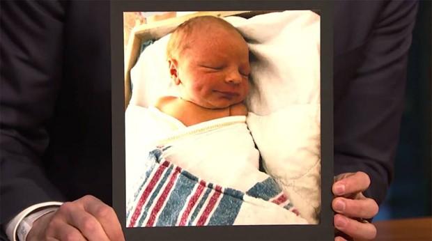 Filho de Seth Meyers (Foto: Reprodução / YouTube)