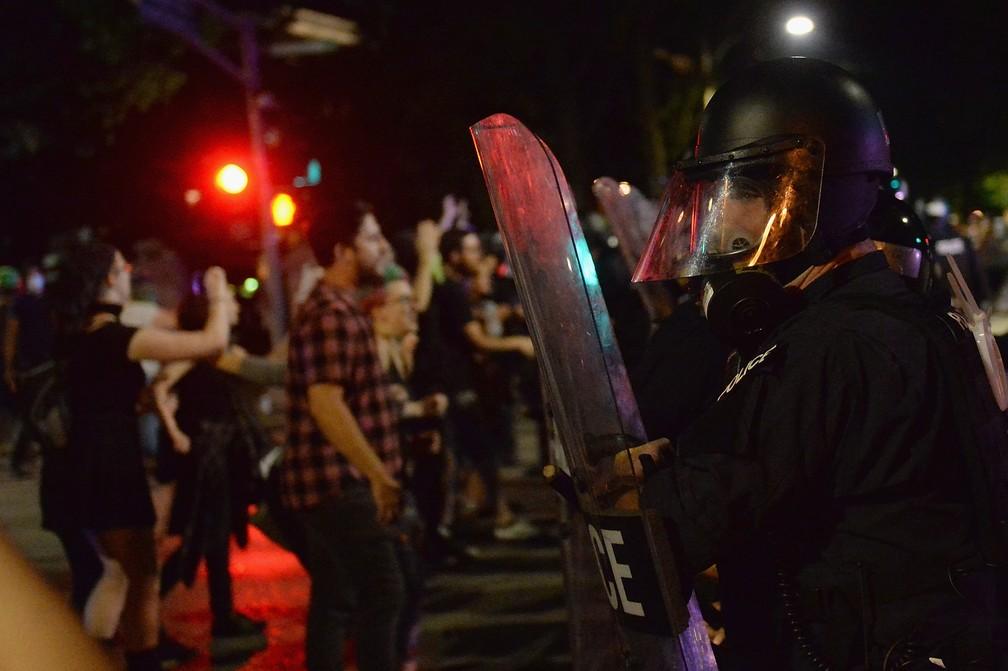 -  Forças de segurança durante protesto em St. Louis, no Missouri  Foto: Michael B. Thomas/Getty Images/AFP