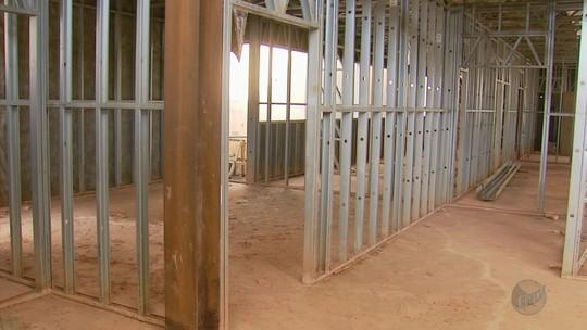 Pelo menos 21 Unidades Básicas de Saúde estão com obras paradas no Sul de Minas