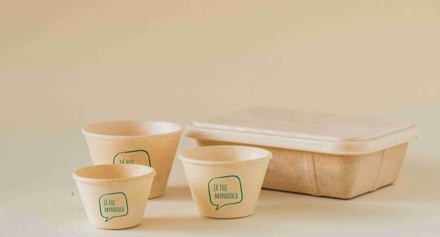 Startup faz embalagens de mandioca que viram adubo em 90 dias