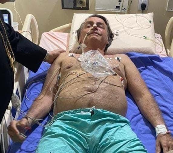 O presidente Jair Bolsonaro no hospital