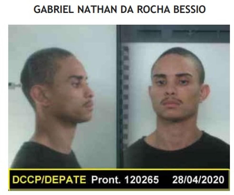 Gabriel Nathan da Rocha Bessio é considerado foragido, segundo Seap — Foto: Reprodução
