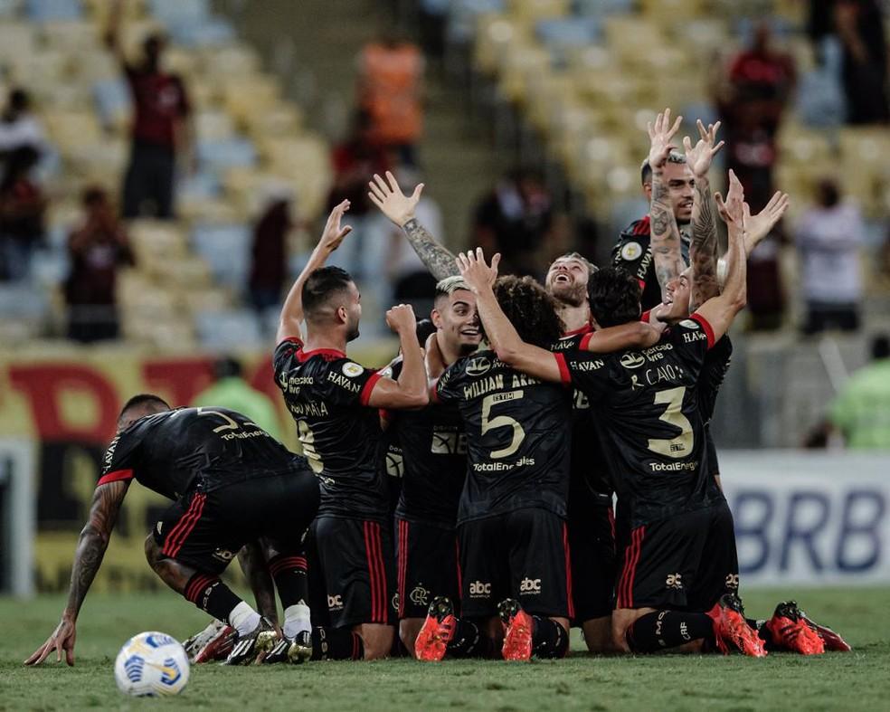Jogadores do Flamengo comemoram gol de Andreas — Foto: André Mourão / Foto FC