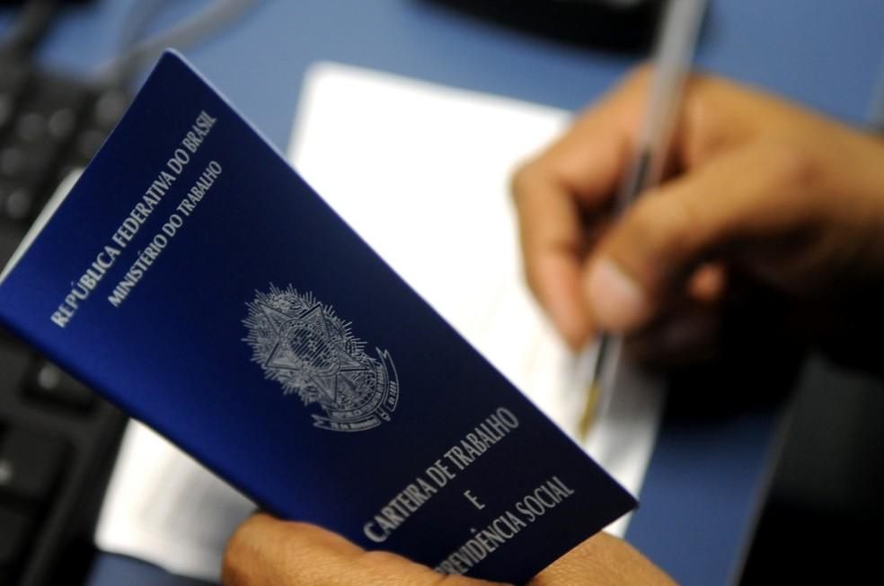 Carteira de trabalho — Foto: Faculdade Pitágoras/Divulgação