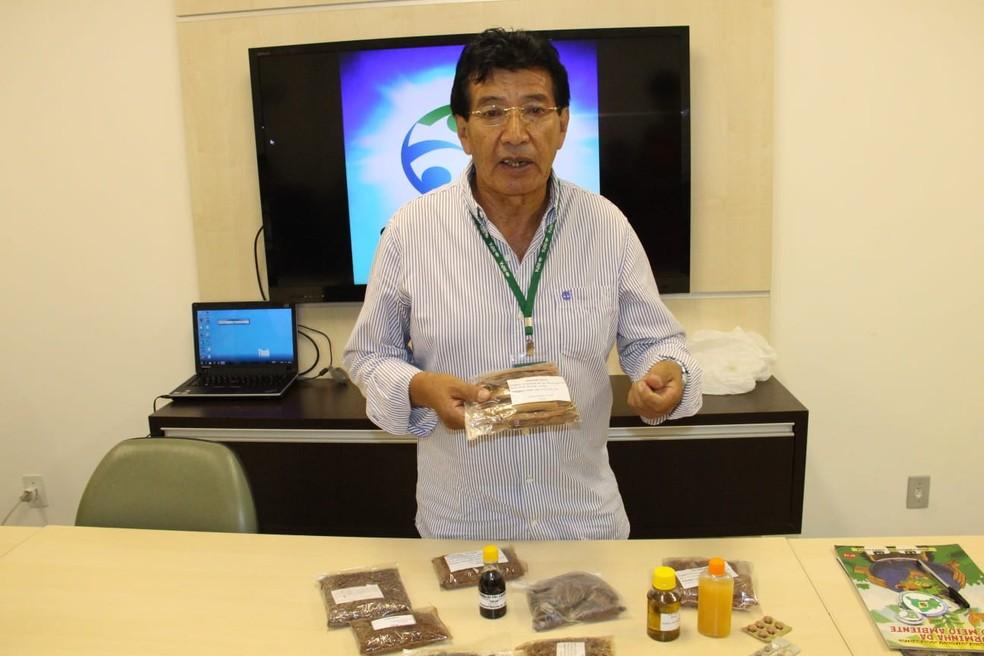 Juan Revilla é pesquisador do Instituto Nacional de Pesquisas da Amazônia (Inpa/ MCTI) — Foto: Luciete Pedrosa/Ascom Inpa