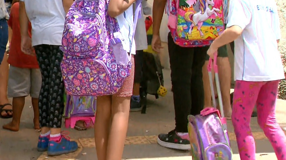 Polícia Civil investiga suspeita de que professora revistou mochilas dos alunos em Franca, SP — Foto: José Augusto Júnior/EPTV