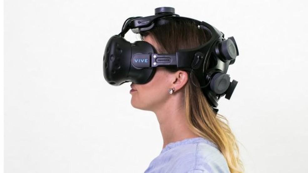 A headset da Neurable pode ser 'inteligente', mas será que é confortável? (Foto: Neurable/Divulgação)