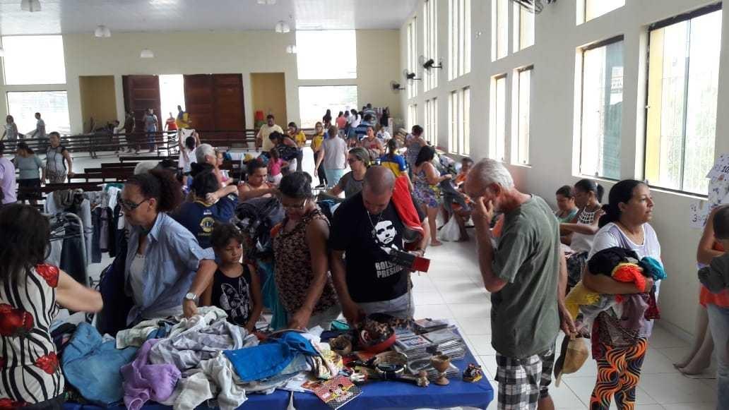Bazar solidário é realizado no Residencial Alto do Moura em Caruaru - Notícias - Plantão Diário