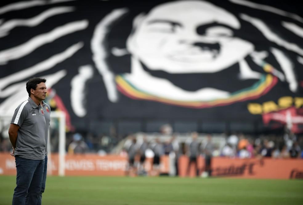 Zé Ricardo deve seguir no comando em 2018 (Foto: André Durão/GloboEsporte.com)