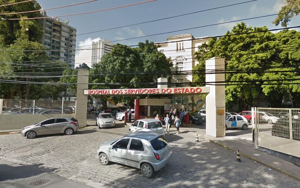 Homem morreu no Hospital dos Servidores de Pernambuco, na Zona Norte do Recife — Foto: Reprodução/Google Street View