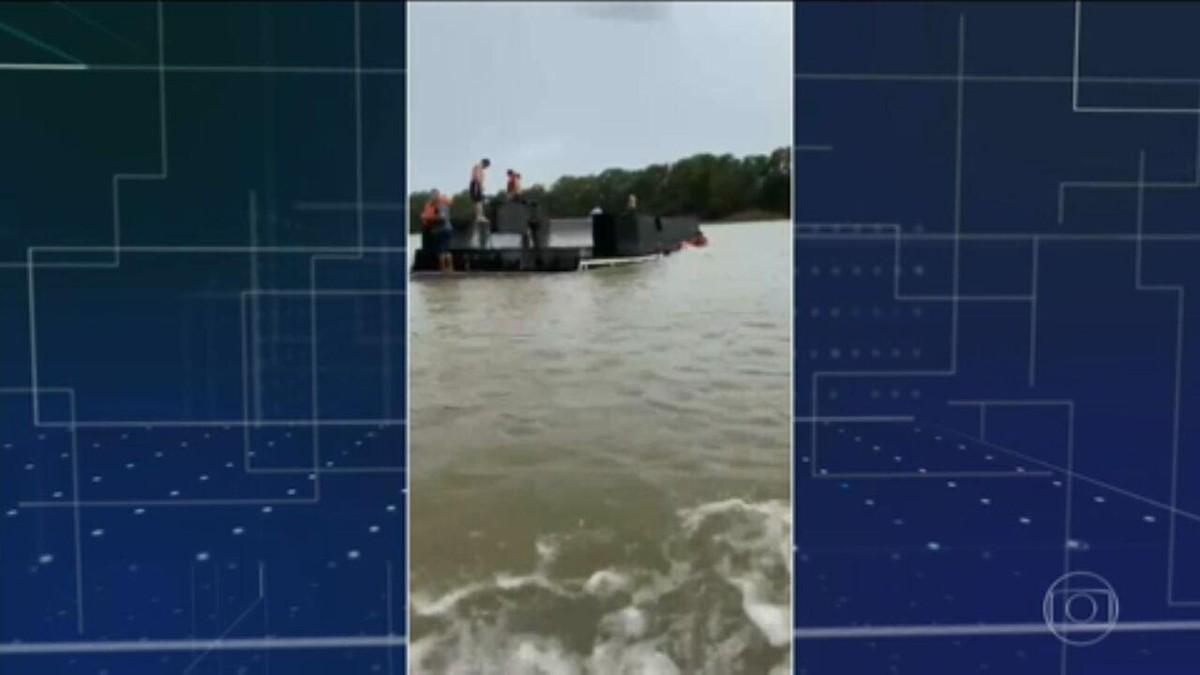 Barco-hotel naufraga e deixa sete desaparecidos durante vendaval em Corumbá (MS)