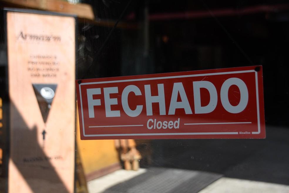 Fachada de comércio fechado na Vila Madalena, em São Paulo, no dia 30 de janeiro de 2021, quando todo o estado ficou na fase vermelha do Plano SP — Foto: ONALDO SILVA/FUTURA PRESS/ESTADÃO CONTEÚDO