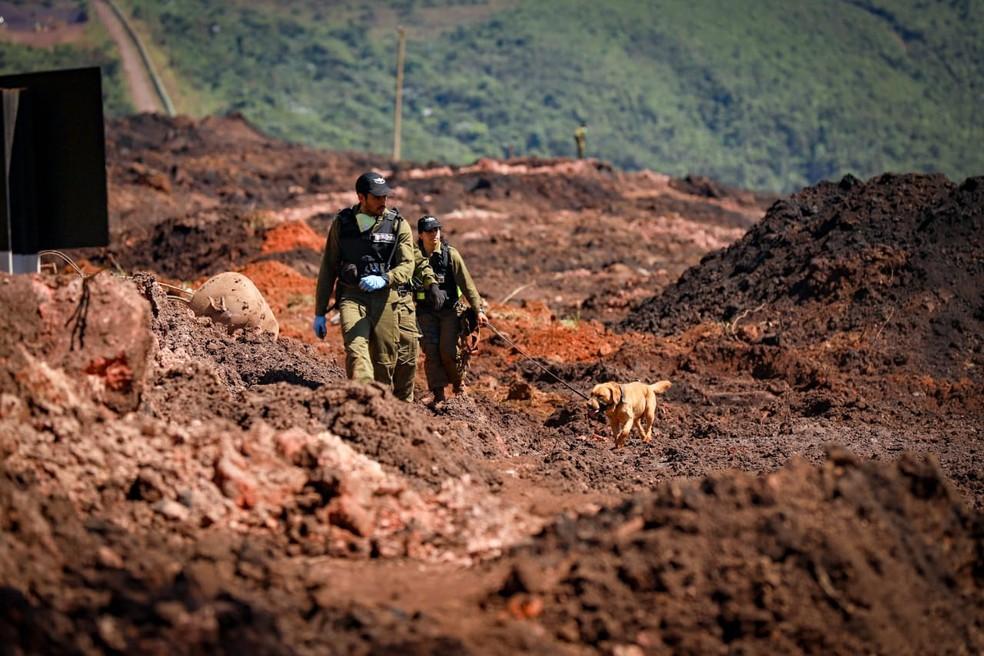Militares israelenses que ajudam nas buscas às vítimas da tragédia em Brumadinho — Foto: Raphael Singer