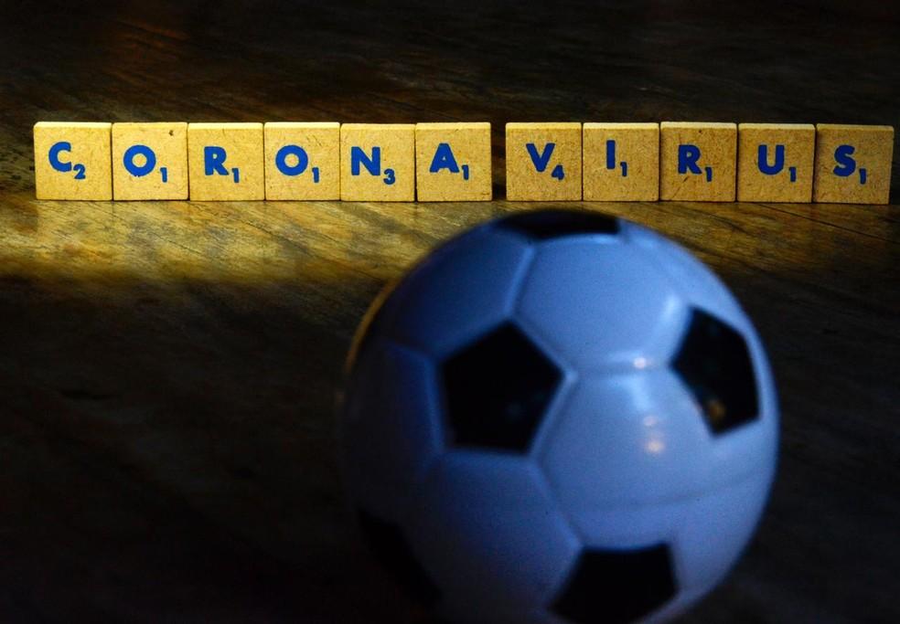 Times de futebol monitoram situação, mas ainda não há previsão da bola voltar a rolar — Foto: André Durão