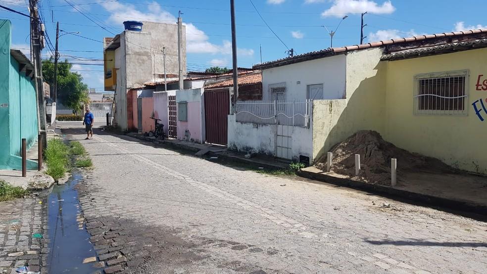 Crime aconteceu no bairro Monte Castelo, em Parnamirim — Foto: Sara Cardoso/Inter TV Cabugi
