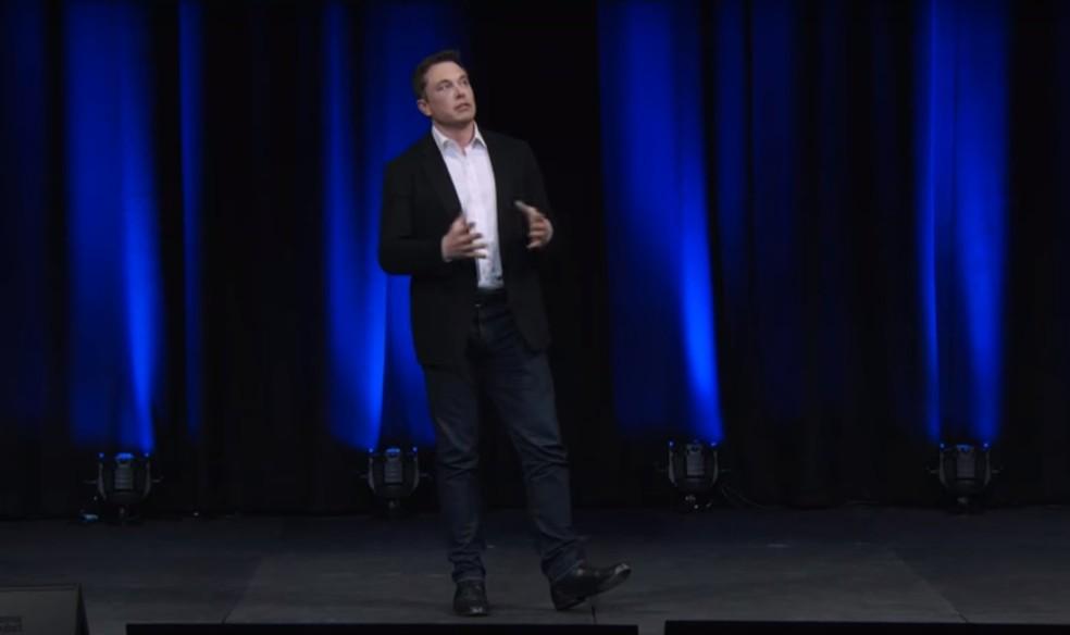 Elon Musk apresentou novidades em conferência na Austrália, na quinta-feira (28) (Foto: Reprodução/YouTube/SpaceX)