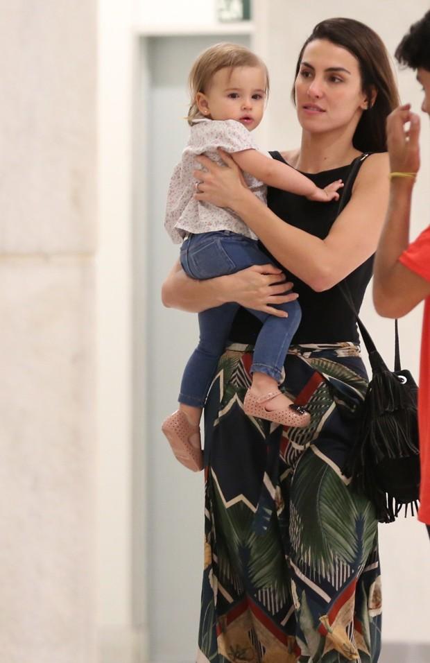 Mel Fronckowiak e a filha Nina (Foto: Thiago Martins / AgNews)