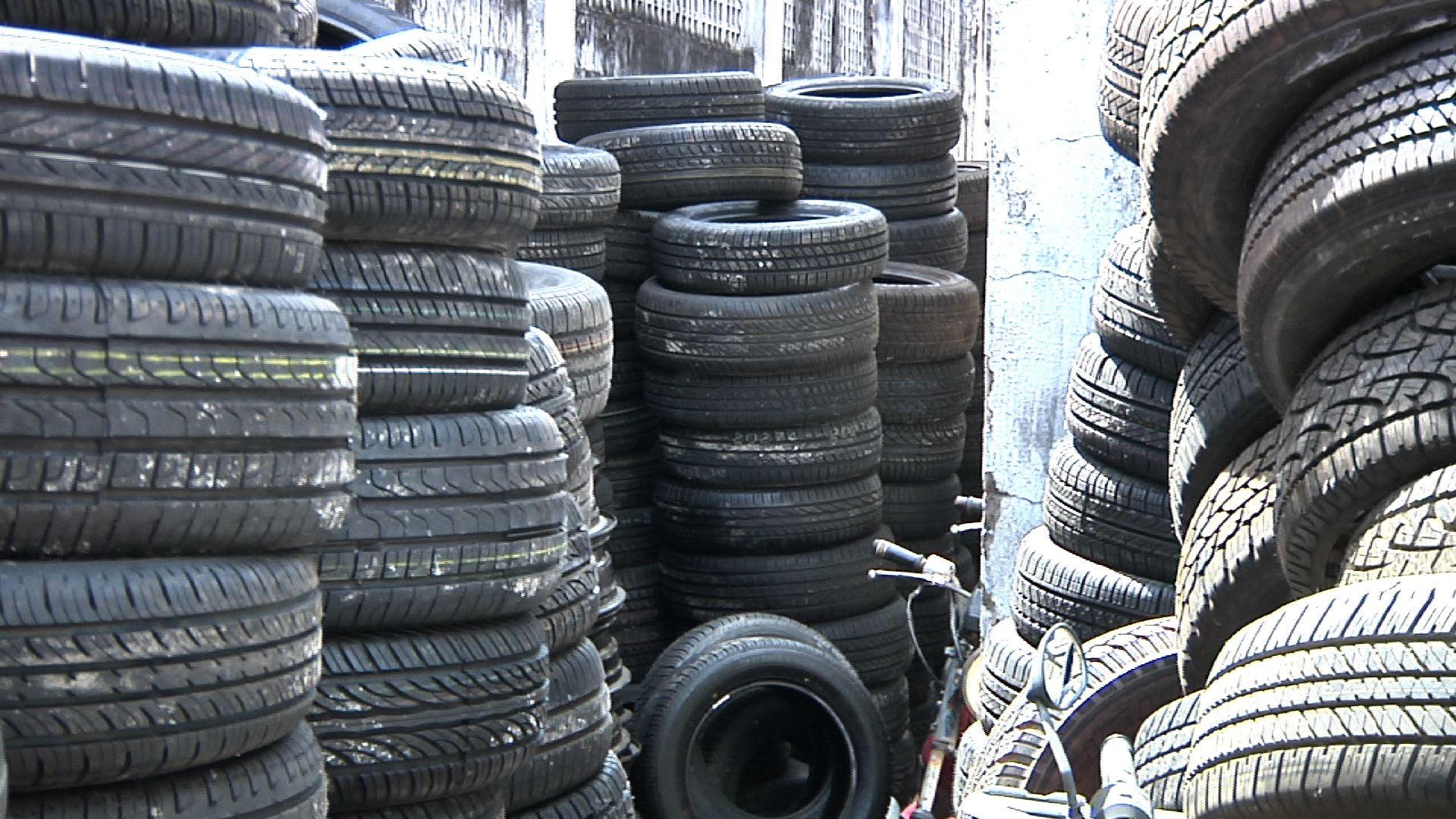Operação apreende 600 pneus e 350 aros em Fortaleza