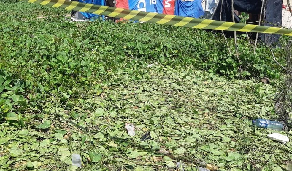 Adolescente de 16 anos é morta a tiros durante festa em Fortaleza  — Foto: Leabém Monteiro/SVM