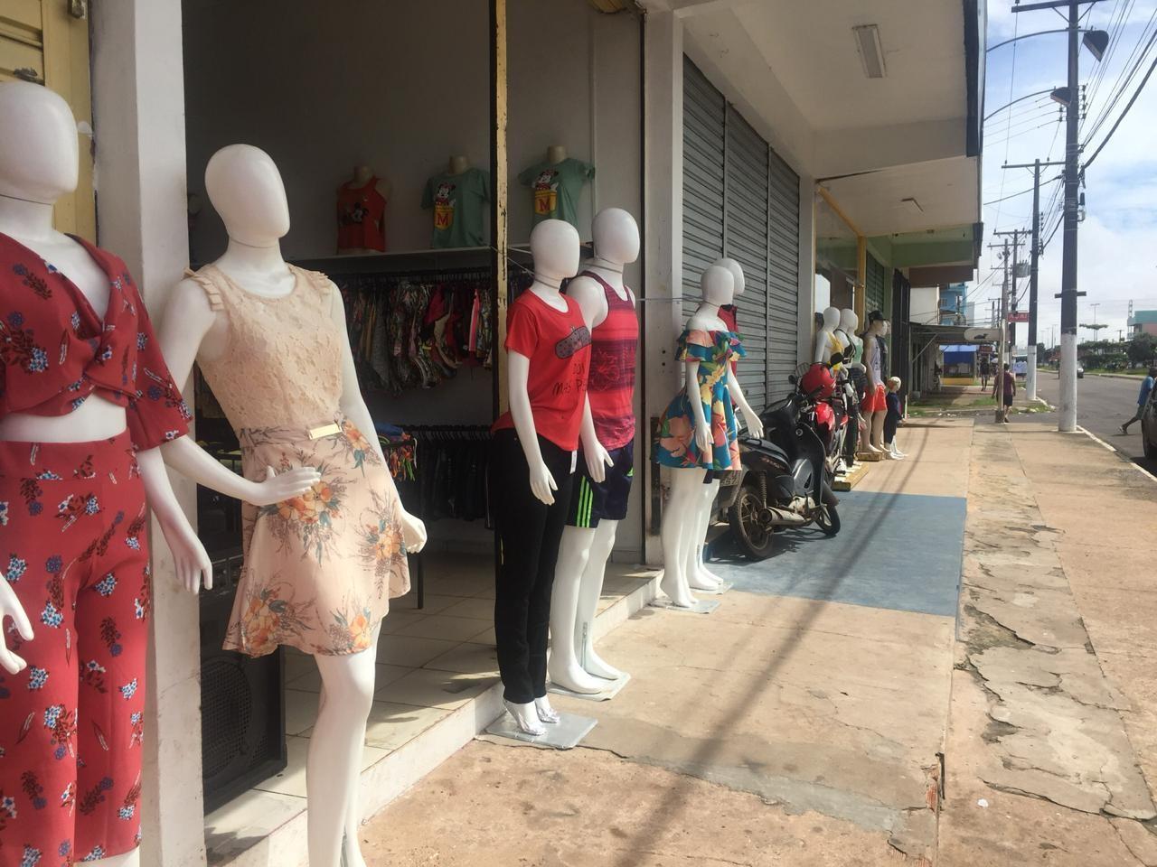 Comerciantes falam em 'onda de furtos' após invasões em lojas no bairro Congós, em Macapá