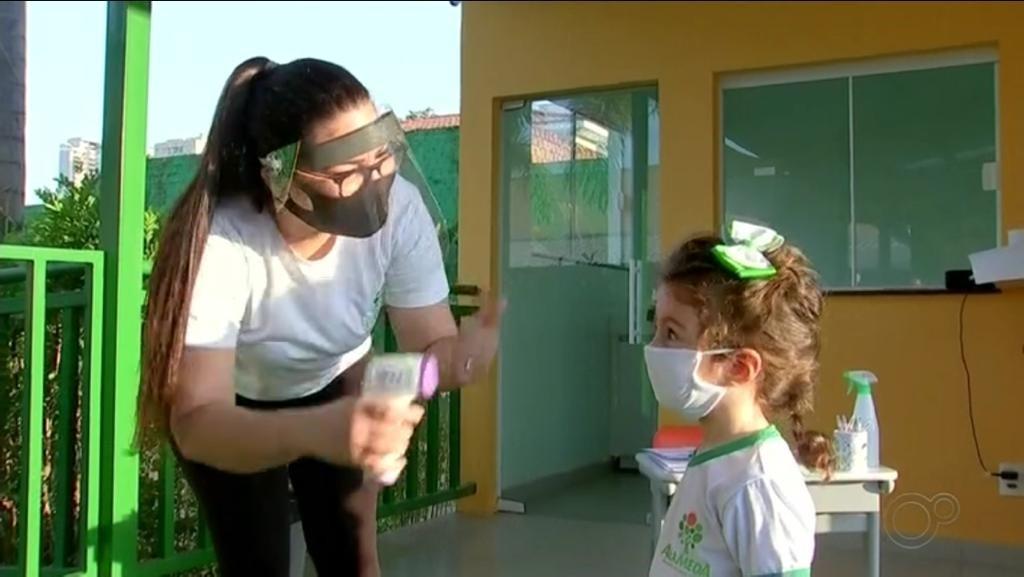 Escolas retomam atividades de reforço presenciais em Araçatuba