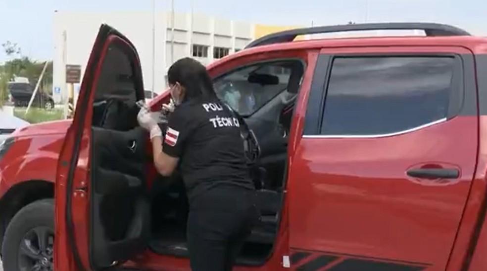 Carro estava todo sujo de sangue, apontou perícia da polícia — Foto: Reprodução / TV Bahia