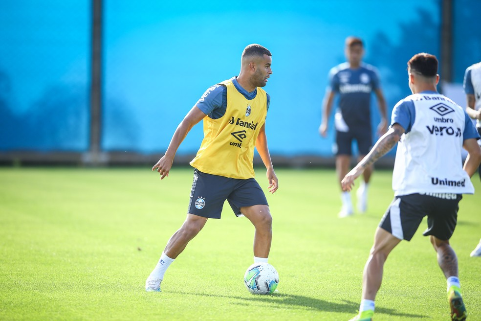 Alisson volta a treinar no Grêmio — Foto: Lucas Uebel/Grêmio