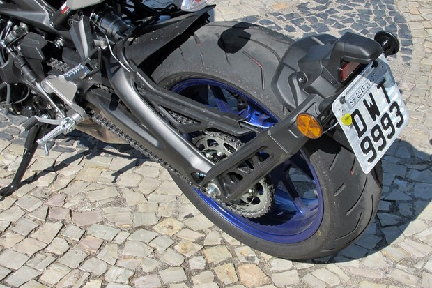 Yamaha MT-09 (Foto: Roberto Dutra/O Globo)