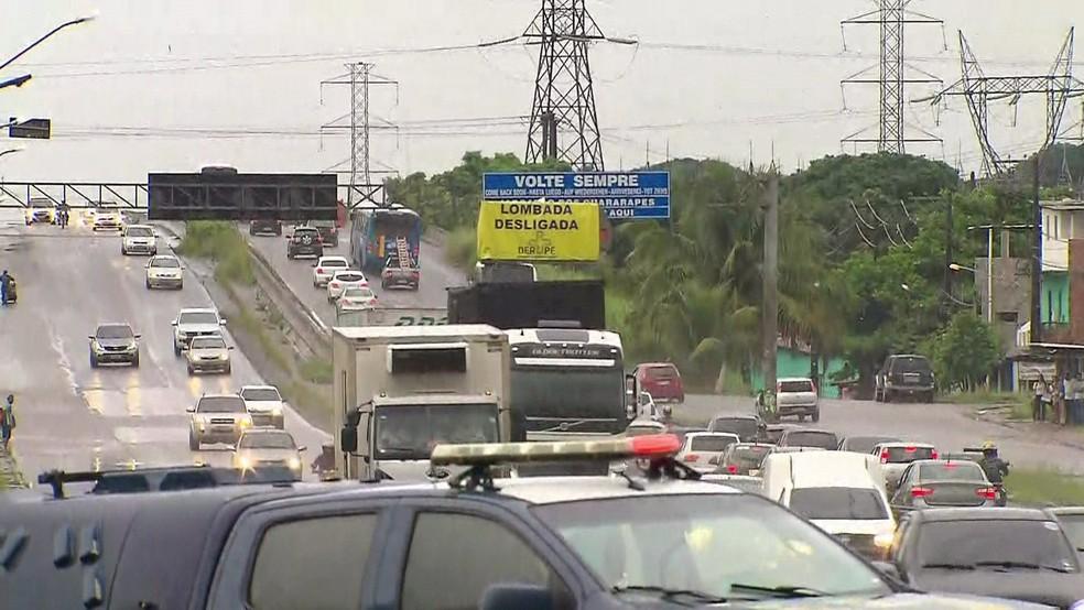 Lombada vai ser desligada na BR-232, no Grande Recife, para evitar engarrafamentos na Semana Santa — Foto: Reprodução/TV Globo
