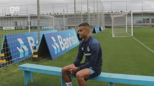 """Talismã, Alisson quebra recorde pessoal e mira Libertadores e Brasileirão: """"Dá para beliscar"""""""