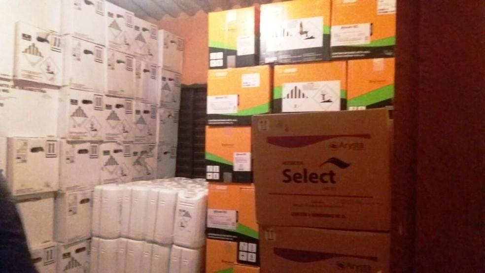 Produtos agrícolas estavam escondidos no cômodo de uma propriedade rural em Paracatu (Foto: Polícia Civil/Divulgação )