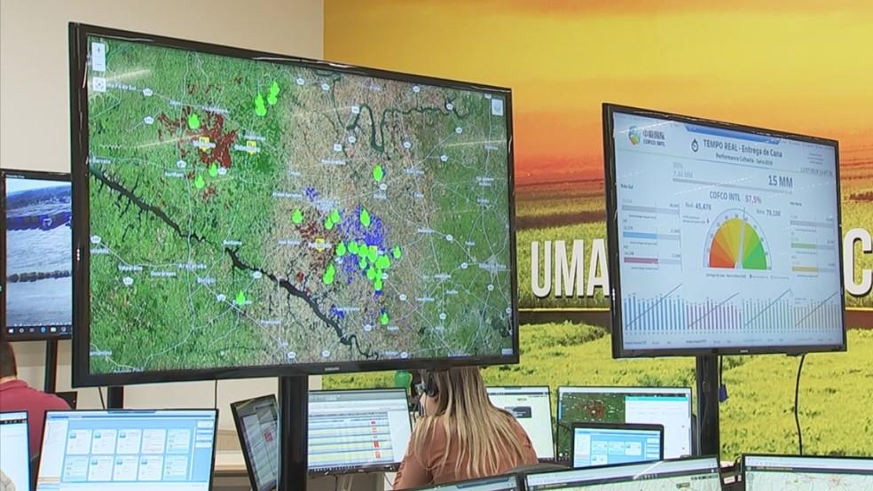 Usinas de cana-de-açúcar usam satélites para monitorar incêndios — Foto: Reprodução/TV TEM