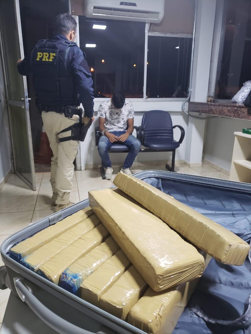 Jovem é preso com 10 kg de maconha a caminho de Porto Velho - Notícias - Plantão Diário