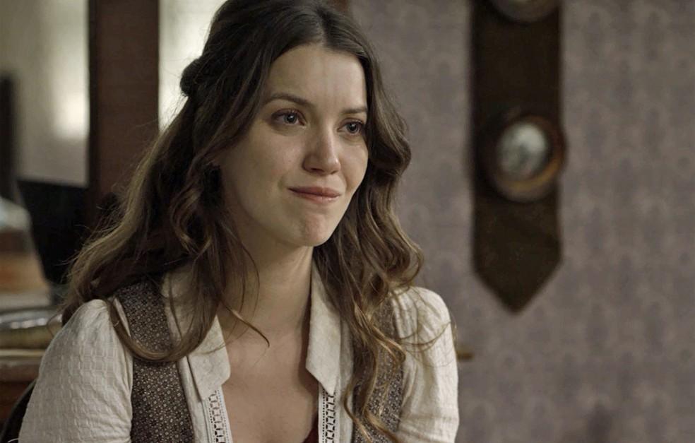 Elisa pede desculpas por perguntar sobre o relacionamento de Camilo com Julieta  (Foto: TV Globo)