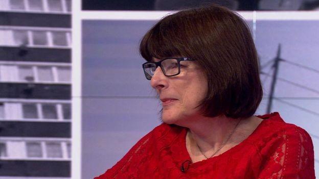 A psicóloga Lyn Kendall diz que pais deveriam se preocupar mais em garantir que seus filhos tenham uma formação completa (Foto: BBC)