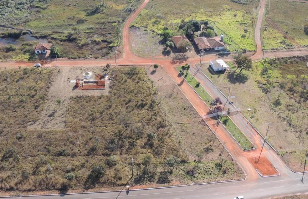Imagem aérea do parcelamento irregular (imagem de arquivo) — Foto: Divulgação/ Seops