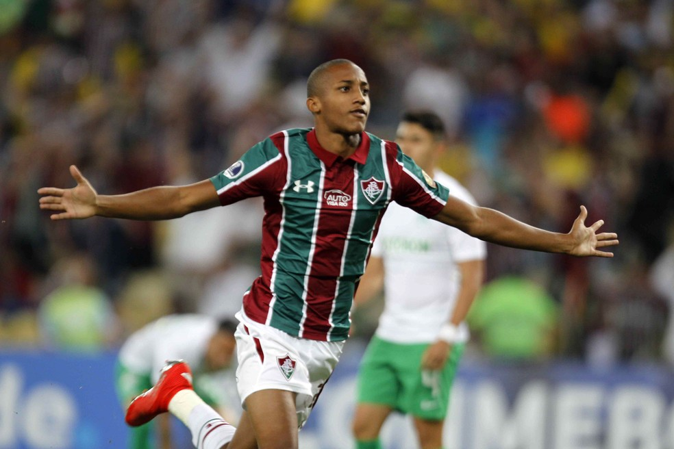 João Pedro, atacante do Fluminense — Foto: André Durão
