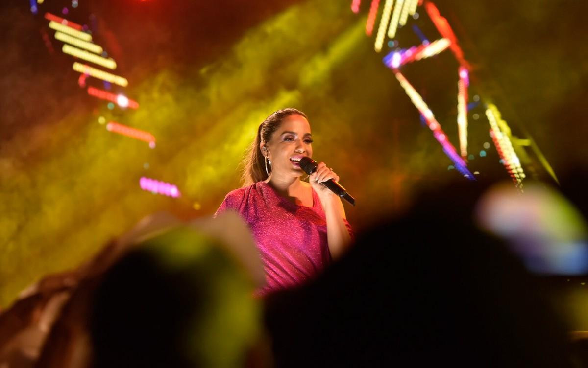 Anitta se apresenta no Fest Verão Sergipe Kids