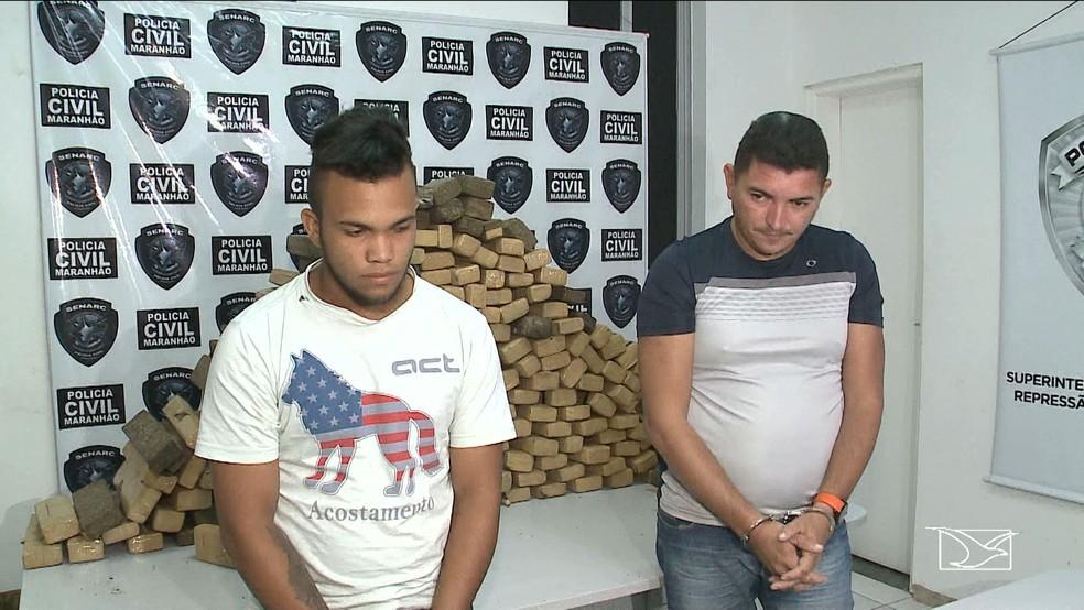 Cleomarcio Lago Abreu (à direita) e Tallysson de Lima Santos (à esquerda) foram presos em posse de 180 quilos de maconha (Foto: Reprodução/TV Mirante)