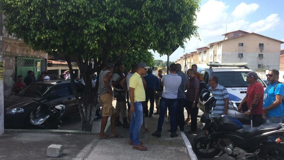 Policial militar morre após reagir a assalto em Camaçari, na Bahia — Foto: Giana Matiazzi/TV Bahia