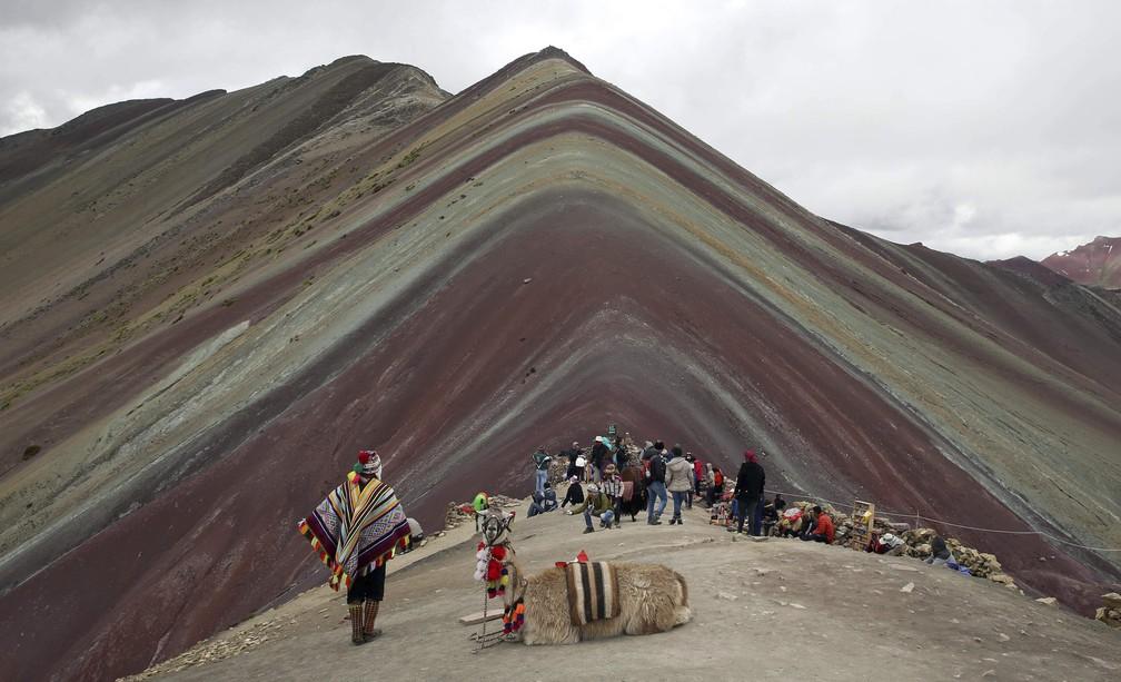 Montanha das 7 cores, em Pitumarca, no Peru — Foto: Martin Mejia/AP