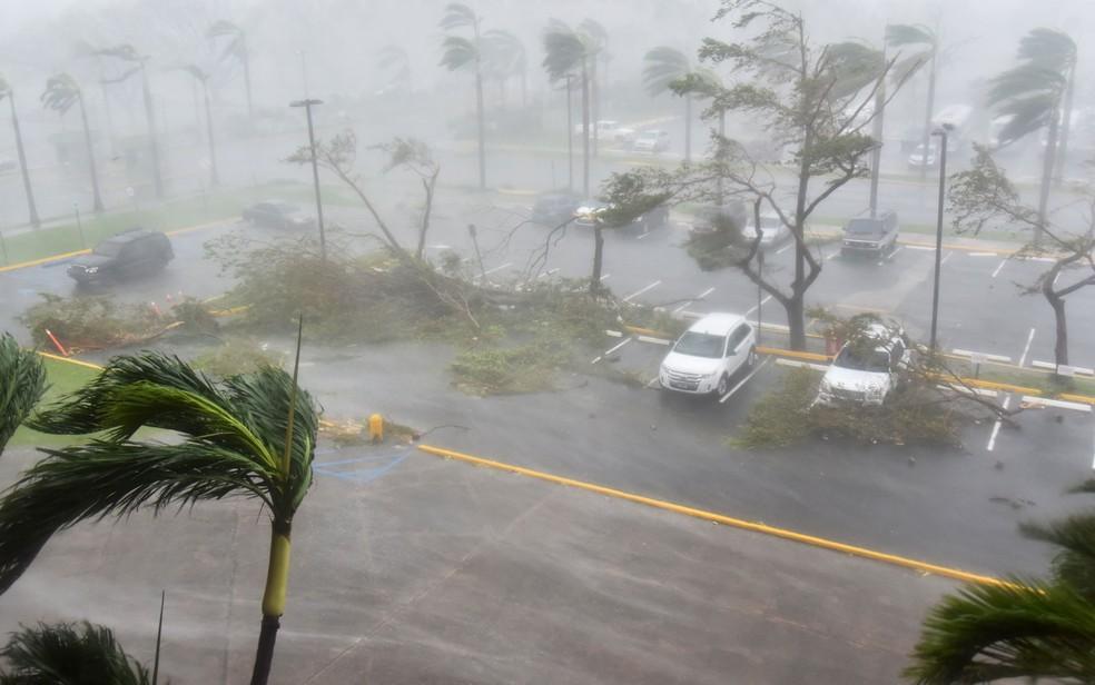 O furacão Maria atingiu o caribe pouco tempo depois do Irma (Foto: Hector Retamal/AFP)