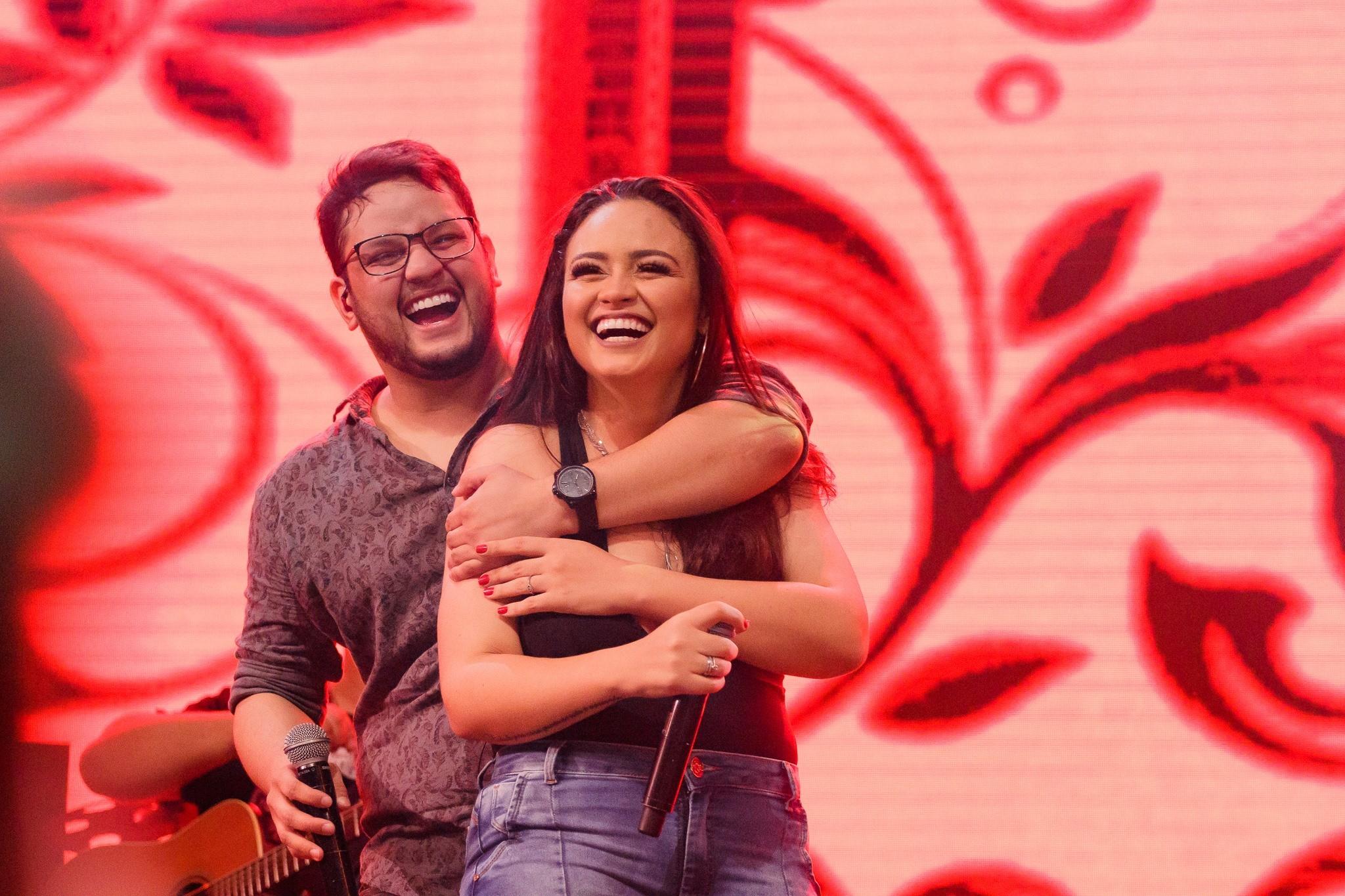 Luiza e Maurílio se preparam para cinco apresentações no PA e comemoram novo trabalho com participações de ícones sertanejos - Noticias