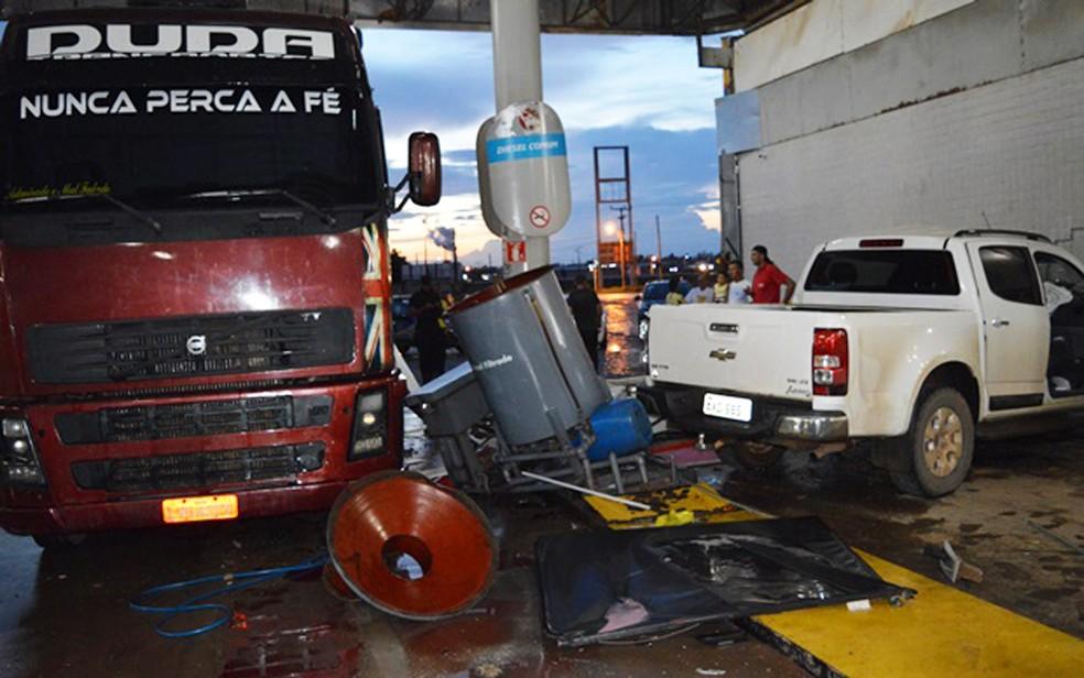 Acidente aconteceu na cidade de Luís Eduardo Magalhães (Foto: Edivaldo Braga/Blogbraga)