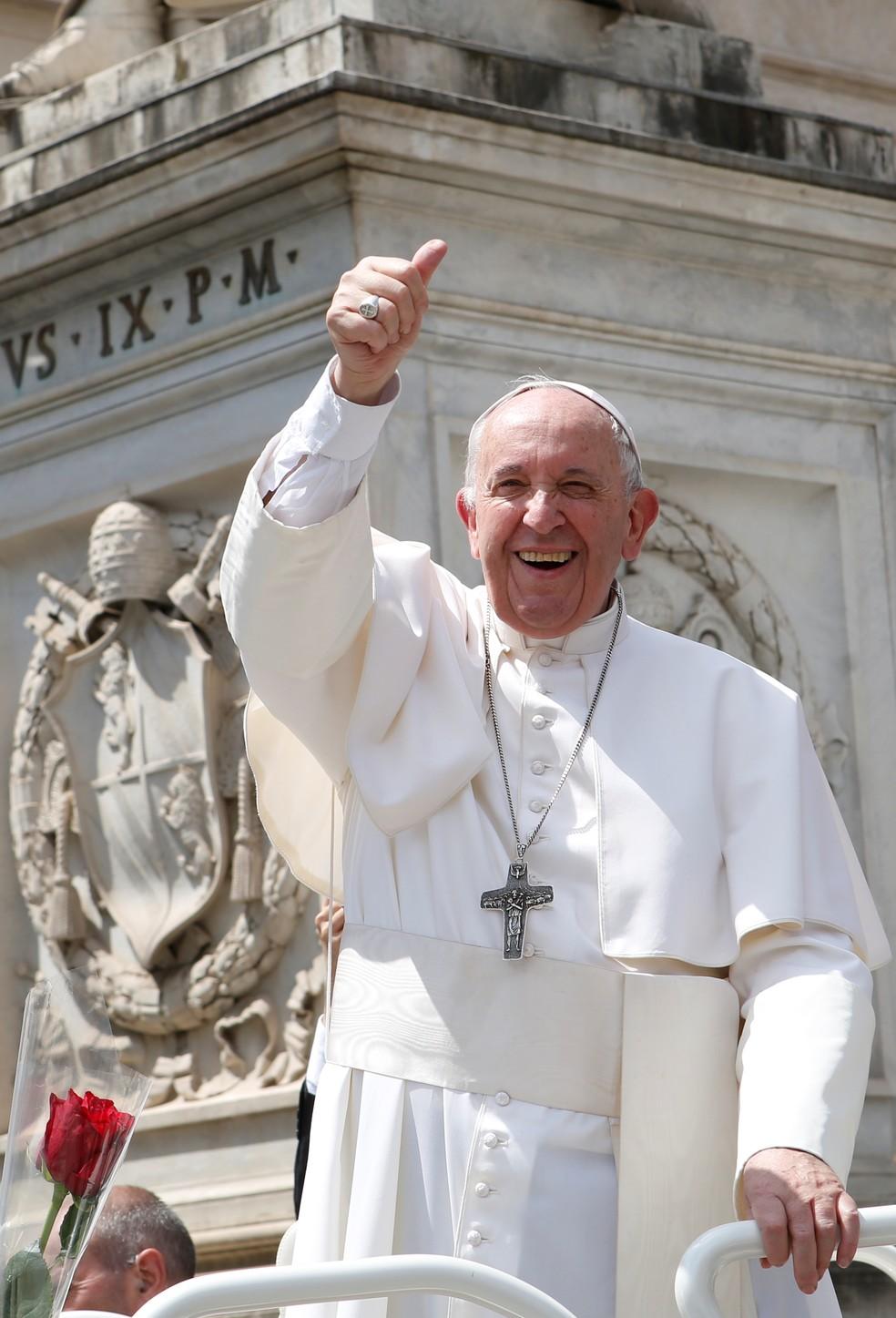 O Papa Francisco em uma das audiências semanais no Vaticano nesta quarta-feira (22). — Foto: Remo Casilli/Reuters