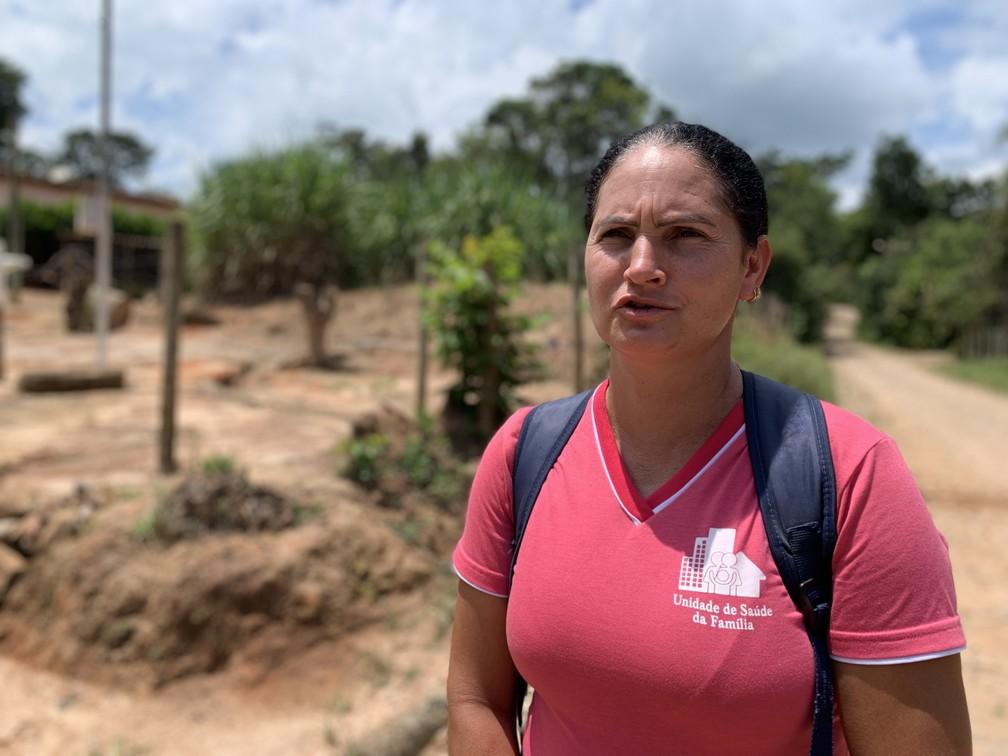 Adriana Mendes de Jesus, de 41 anos, é agente de saúde comunitário e viu atendimento no SUS aumentar após a tragédia — Foto: Raquel Freitas/G1