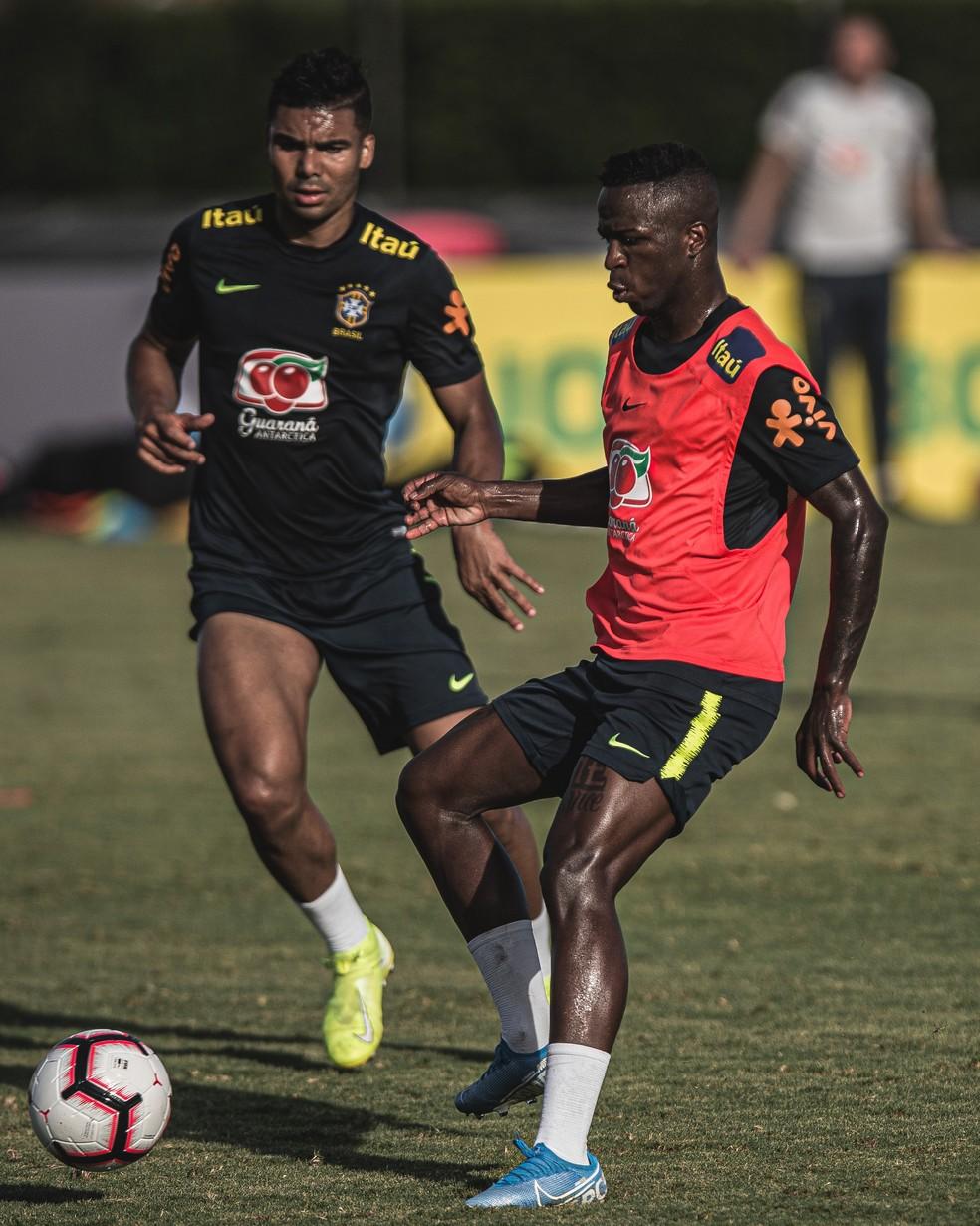 Vinicius Junior, atacante do Real, durante treino: ele pediu ao companheiro de Madrid Casemiro para lhe ajudar na Seleção — Foto: Pedro Martins / MoWA Press